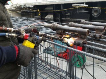 手動ガス圧接工事